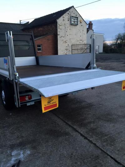 Tail Lift Fitting & Servicing